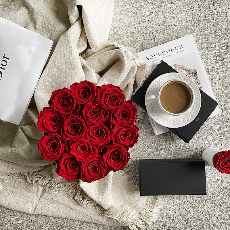 flower box czerwone wieczne róże