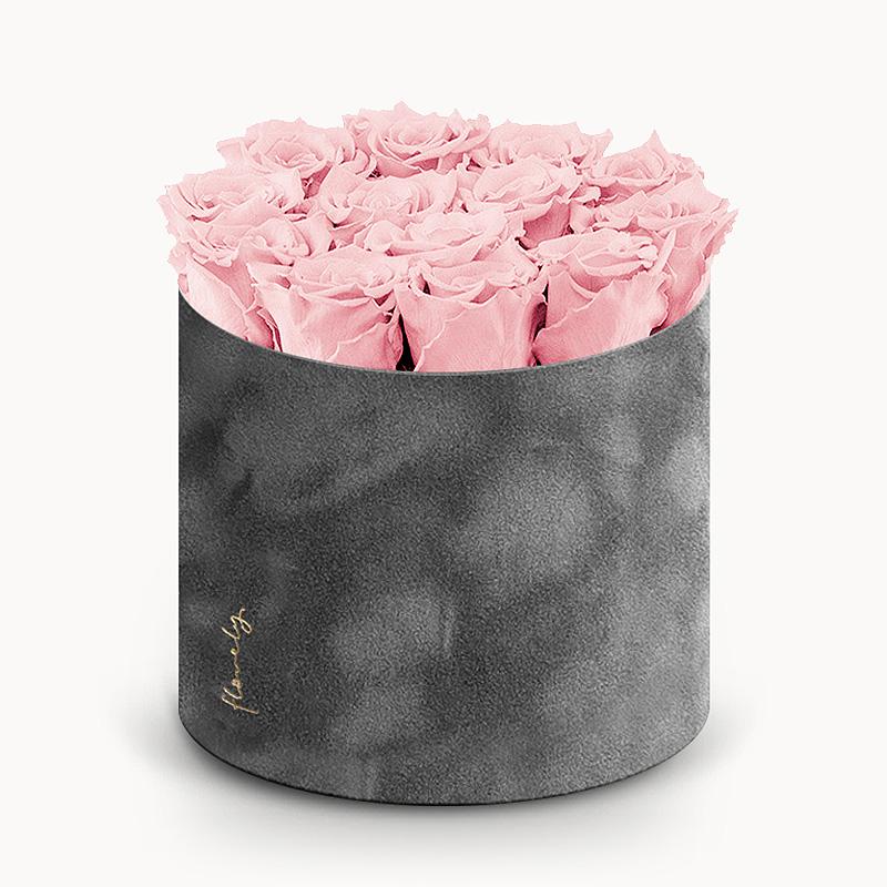 Duży flower box z różami