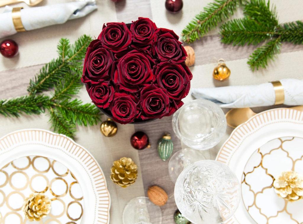 czerwone wieczne róże flower box